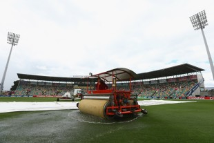 The rain set in at Bellerive Oval, Australia v Sri Lanka, 1st Test, Hobart, 2nd day, December 15, 2012