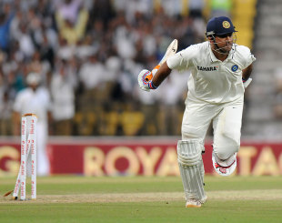 MS Dhoni was run out for 99, India v England, 4th Test, Nagpur, 3rd day, December 15, 2012