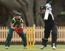 Nicola Browne top scored for New Zealand with 42, Australia v New Zealand, 3rd Women's ODI, North Sydney Oval, Sydney, December 17, 2012