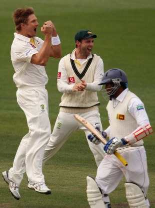 Shane Watson celebrates removing Tillakaratne Dilshan, Australia v Sri Lanka, 1st Test, Hobart, 4th day, December 17, 2012