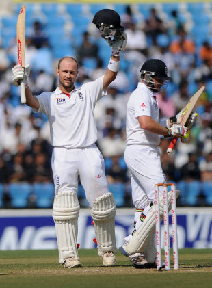 Jonathan Trott soaks up reaching his eighth Test century, India v England, 4th Test, Nagpur, 5th day, December 17, 2012