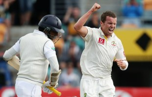 Peter Siddle took the wicket of Kumar Sangakkara, Australia v Sri Lanka, 1st Test, Hobart, 2nd day, December 15, 2012