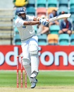 Thilan Samaraweera goes for a hook, Australia v Sri Lanka, 1st Test, Hobart, 5th day, December 18, 2012