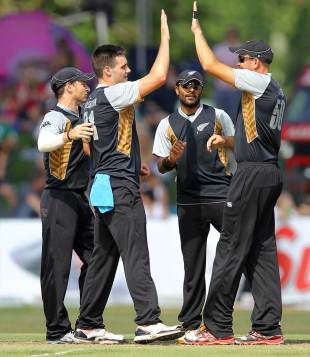 Mitchell McClenaghan picked up three wickets, South Africa A v New Zealanders, Tour match, Pietermaritzburg, December 18, 2012