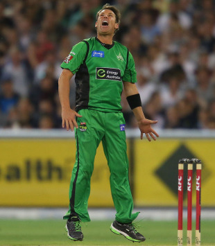 Shane Warne took two wickets, Melbourne Stars v Sydney Sixers, Big Bash League, Melbourne, December 21, 2012