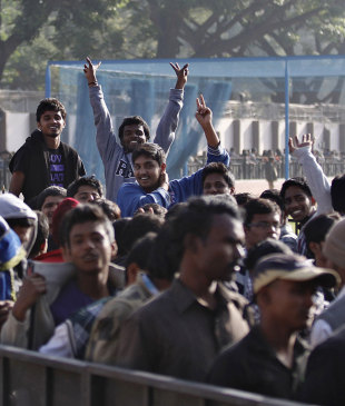 Fans in Bangalore queue up for tickets to the India-Pakistan T20 match, Bangalore, December 21, 2012