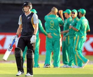 Rob Nicol fell for 3, South Africa v New Zealand, 1st Twenty20 international, Durban, December 21, 2012