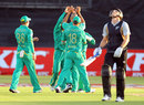 Rob Nicol was the first wicket to fall, South Africa v New Zealand, 1st Twenty20, Durban, December 21, 2012