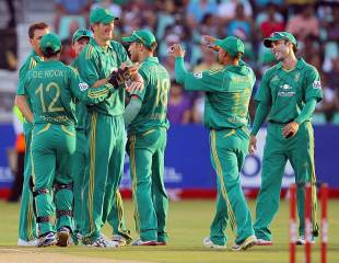The South Africans kept chipping away at New Zealand, South Africa v New Zealand, 1st Twenty20 international, Durban, December 21, 2012