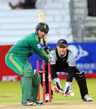 Quinton de Kock made 28 off 23 balls, South Africa v New Zealand, 1st Twenty20 international, Durban, December 21, 2012