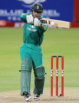 Quinton de Kock plays a pull, South Africa v New Zealand, 1st Twenty20 international, Durban, December 21, 2012