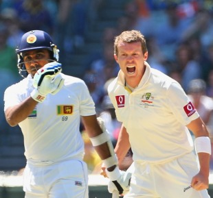 Peter Siddle got the big wicket of Mahela Jayawardene, Australia v Sri Lanka, 2nd Test, Melbourne, 1st day, December 26, 2012