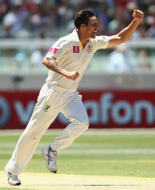 Mitchell Johnson was the most successful of the Australia bowlers, with four wickets, Australia v Sri Lanka, 2nd Test, Melbourne, 1st day, December 26, 2012