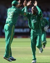 Aaron Phangiso gets high-fives from Faf du Plessis, South Africa v New Zealand, 3rd T20, Port Elizabeth, December 26, 2012