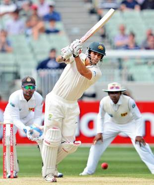 Mitchell Johnson drives down the ground, Australia v Sri Lanka, 2nd Test, Melbourne, 2nd day, December 27, 2012