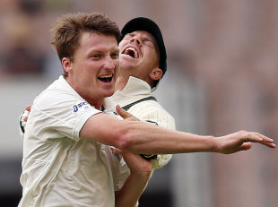 Jackson Bird celebrates one of his two wickets, Australia v Sri Lanka, 2nd Test, Melbourne, 3rd day, December 28, 2012
