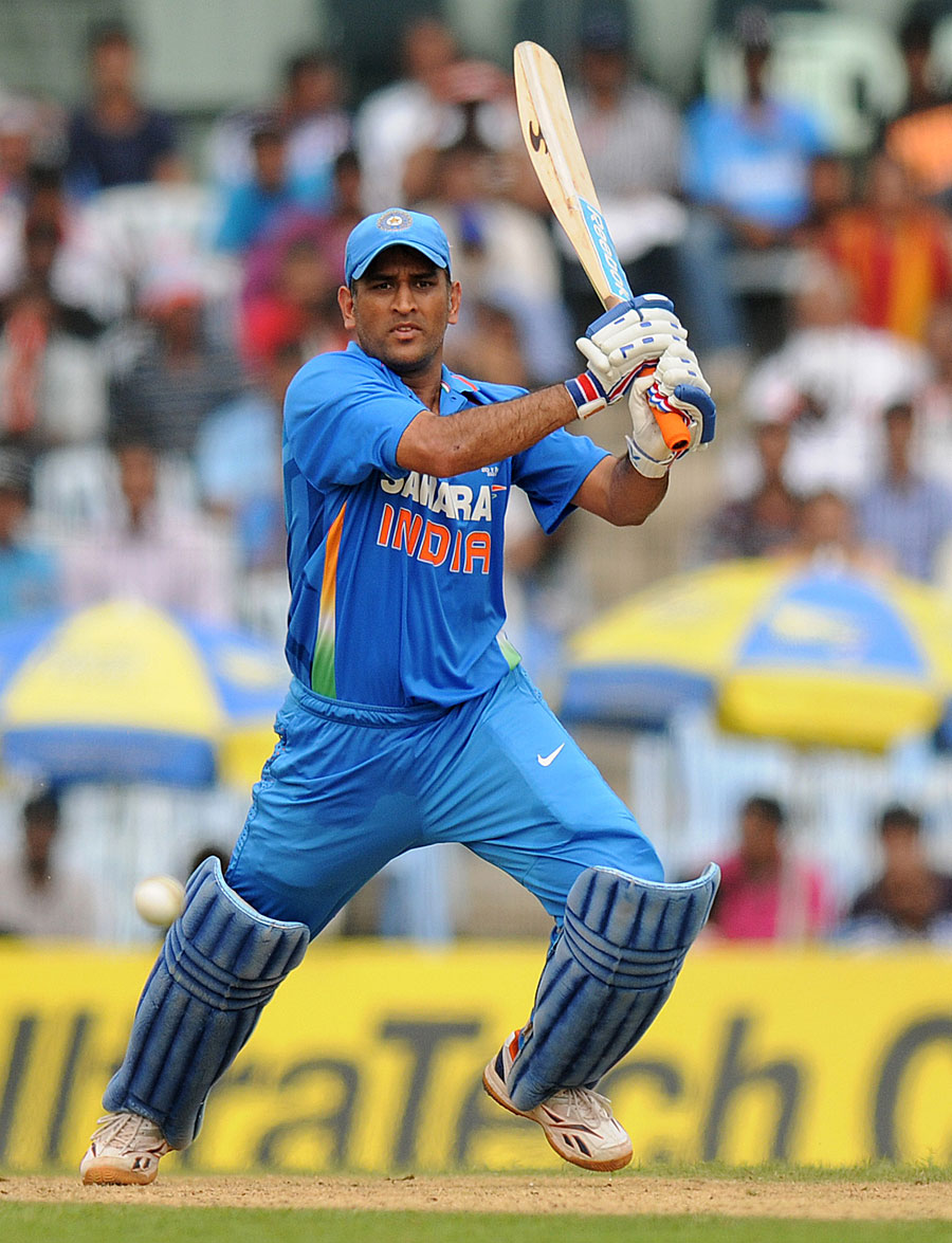 Dhoni en route to his 113* Picture courtesy - CricInfo.com