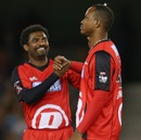 Muttiah Muralitharan congratulates Marlon Samuels, Melbourne Renegades v Adelaide Strikers, BBL, Melbourne, January 2, 2013