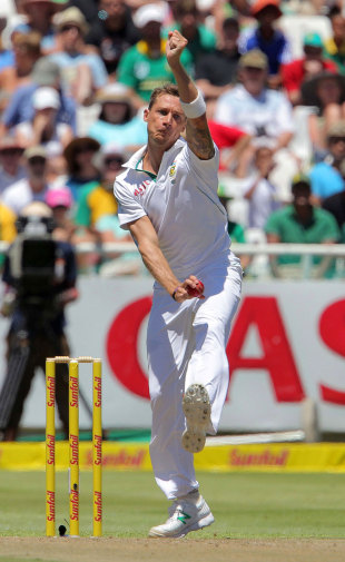 Dale Steyn bowled Doug Bracewell for his 300th Test wicket, South Africa v New Zealand, 1st Test, Cape Town, 1st day, January 2, 2013