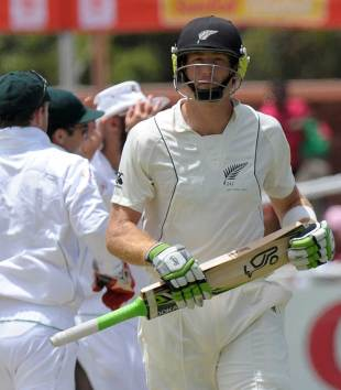 Martin Guptill fell without scoring, South Africa v New Zealand, 1st Test, Cape Town, 2nd day, January 3, 2013