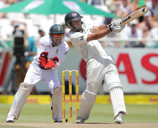Dean Brownlie plays the pull, South Africa v New Zealand, 1st Test, Cape Town, 3rd day, January 4, 2013