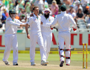 Dale Steyn took three of New Zealand's wickets in the second innings, South Africa v New Zealand, 1st Test, Cape Town, 3rd day, January 4, 2013