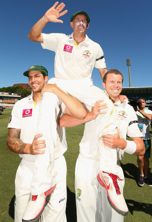 Michael Hussey is carried off the field on the shoulders of Mitchell Johnson and Peter Siddle, Australia v Sri Lanka, 3rd Test, Sydney, 4th day, January 6, 2013