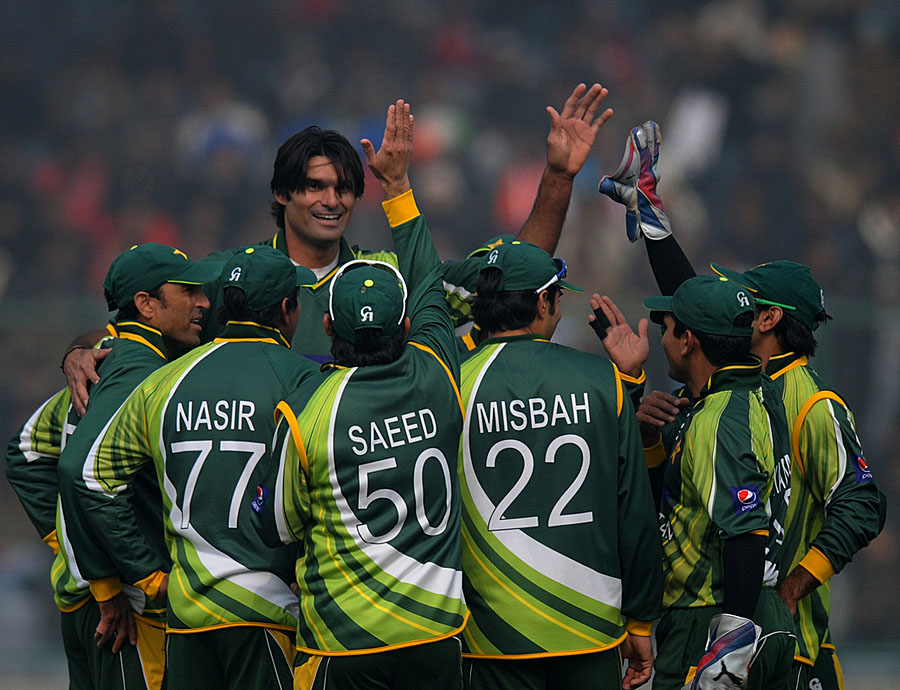 Mohammad Irfan pegged India back with two early wickets