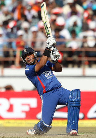 Samit Patel's unbeaten 44 off 20 got England to 325