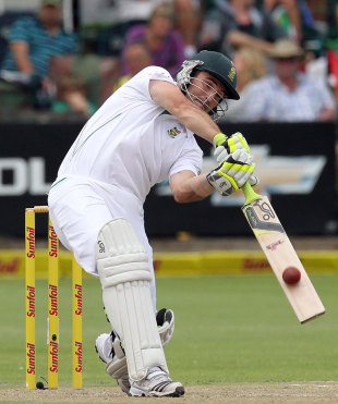 Dean Elgar made his first significant score in Test cricket, South Africa v New Zealand, 2nd Test, Port Elizabeth, 2nd day, January 12, 2013