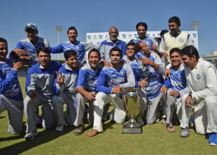 SNGPL won the inaugural President's Trophy, Habib Bank Limited v Sui Northern Gas Pipelines Limited, President's Trophy final, Karachi, 1st day, January 14, 2013