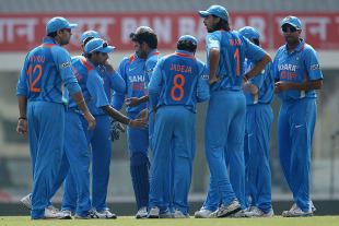 Indians celebrate the first wicket, India v England, 3rd ODI, Ranchi, January 19, 2013