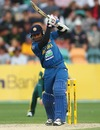Mahela Jayawardene scored 38 before before being dismissed tamely