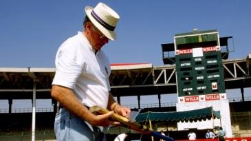 Peter van der Merwe inspects a bat