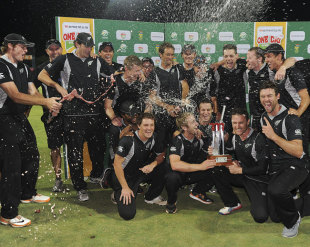 New Zealand celebrate their series victory, South Africa v New Zealand, 3rd ODI, Potchefstroom