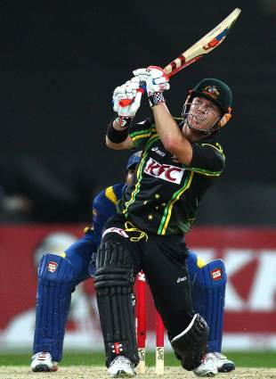 David Warner goes over the top, Australia v Sri Lanka, 1st T20, Sydney, January 26, 2013
