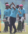 Brian Lara shows the Chittagong Kings how to do it