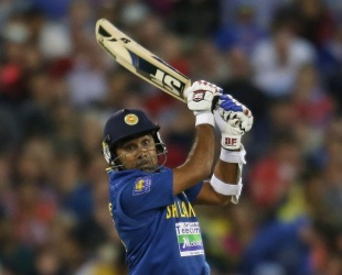 Mahela Jayawardene hit 61 as Sri Lanka beat Australia by three runs to win the T20 series 2-0