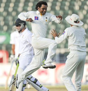 Mohammad Hafeez claimed career-best figures, South Africa v Pakistan, 1st Test, Johannesburg, February 1, 2013