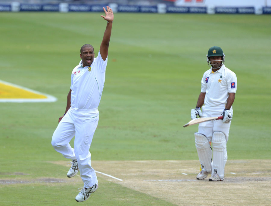 Vernon Philander had Asad Shafiq caught behind