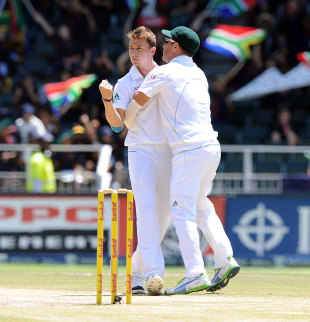 Dale Steyn made inroads with the second new ball, South Africa v Pakistan, 1st Test, Johannesburg, 4th day, February 4, 2013