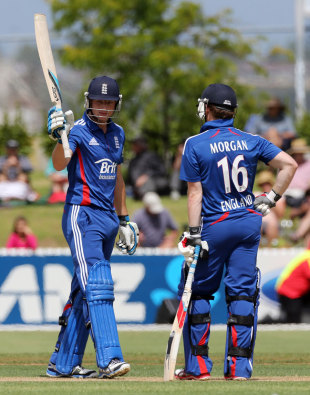 Jos Buttler acknowledges reaching his fifty, New Zealand XI v England XI, Twenty20, Whangarei, February 5, 2013