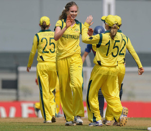 Holly Ferling took three wickets, Australia v England, Women's World Cup 2013, Super Six, Mumbai, February 8, 2013
