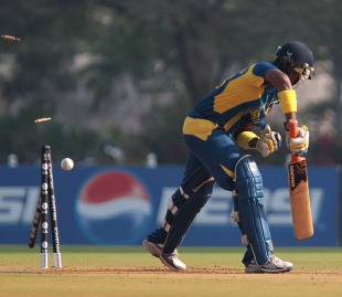 Chamari Atapattu was bowled for a duck, New Zealand v Sri Lanka, Women's World Cup 2013, Super Six, Mumbai, February 8, 2013