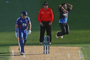 Ronnie Hira delivers the ball, New Zealand v England, 1st T20, Auckland, February 9, 2013