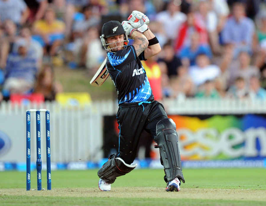 Brendon McCullum's hitting helped New Zealand to 192