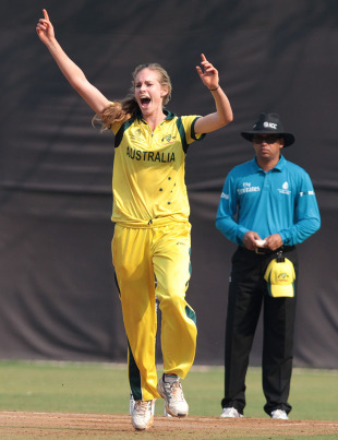 Holly Ferling bowled an economical spell of 3 for 27 off her seven overs, Australia v West Indies, Super Six, Women's World Cup, Mumbai, February 13, 2013