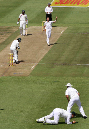 Dale Steyn had Mohammad Hafeez edging to slip, South Africa v Pakistan, 2nd Test, Cape Town, 1st day, February 14, 2013