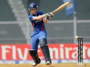 Charlotte Edwards pulls during her century, England v New Zealand, 3rd place playoff, Women's World Cup, Mumbai, February 15, 2013