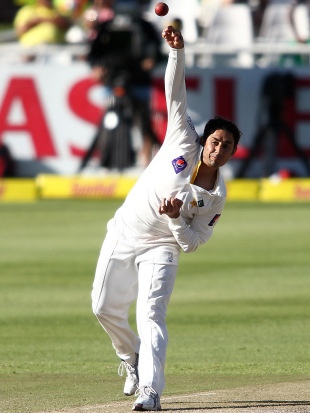 Saeed Ajmal took five wickets, South Africa v Pakistan, 2nd Test, Cape Town, 2nd day, February 15, 2013